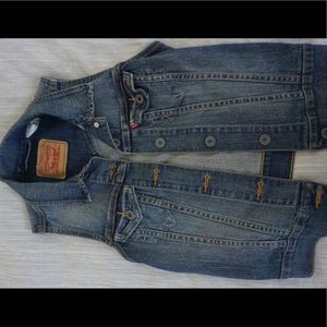 XS Levi's vest! New condition!